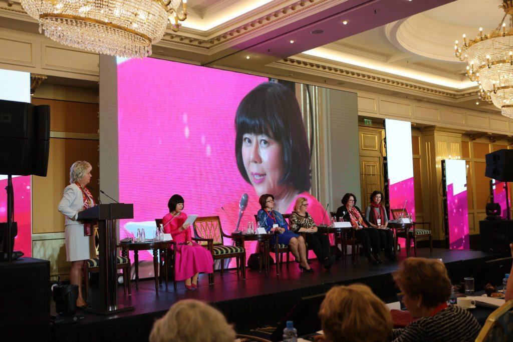 世界女性企業家協会(FCEM)ロシア・スピーチ
